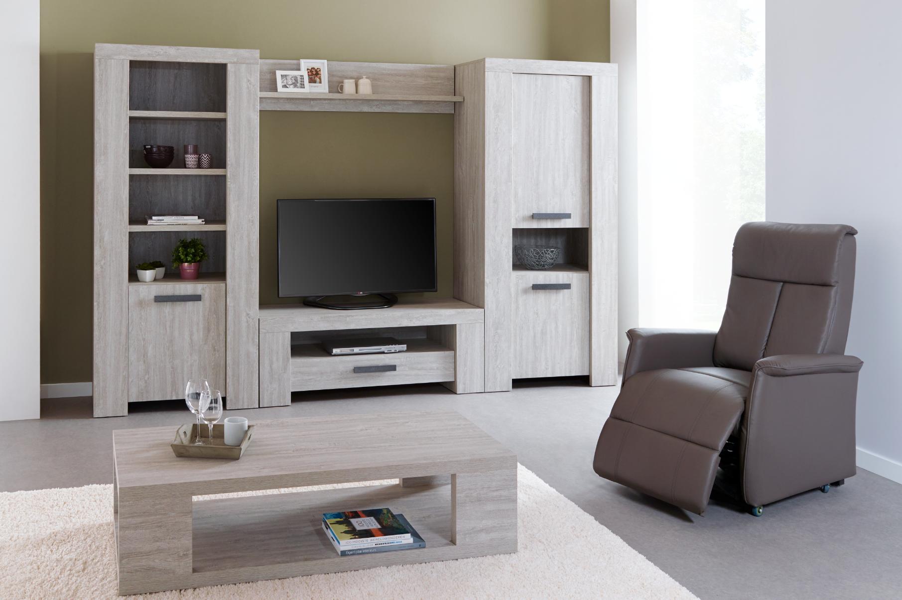 eetkamer valencia licht meubelen voor thuis salons eetkamers slaapkamers relaxen. Black Bedroom Furniture Sets. Home Design Ideas